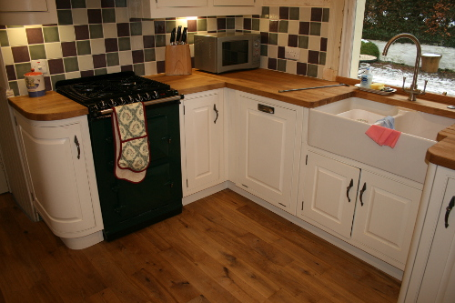 Freestanding Cooker And Belfast Sink