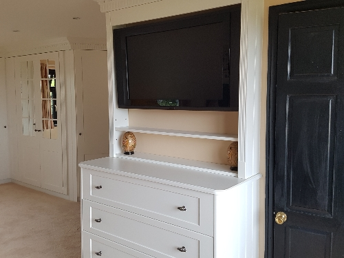 Hand Painted Bedroom TV With Pillaster Surround