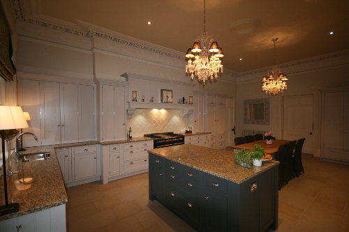 Light Coloured Kitchen With Darker Island